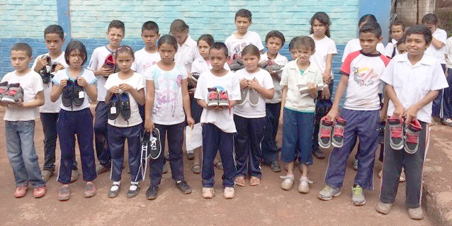 San Juan del Rancho students get shoes